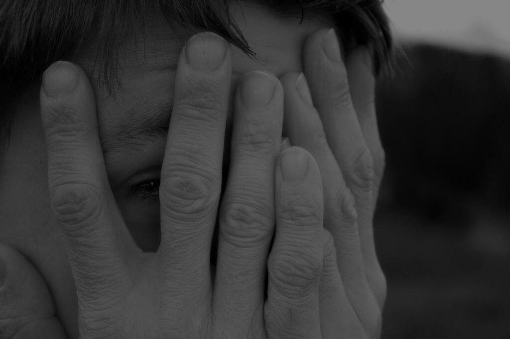 Ekshibicjonizm - objaw nieśmiałości czy choroba psychiczna