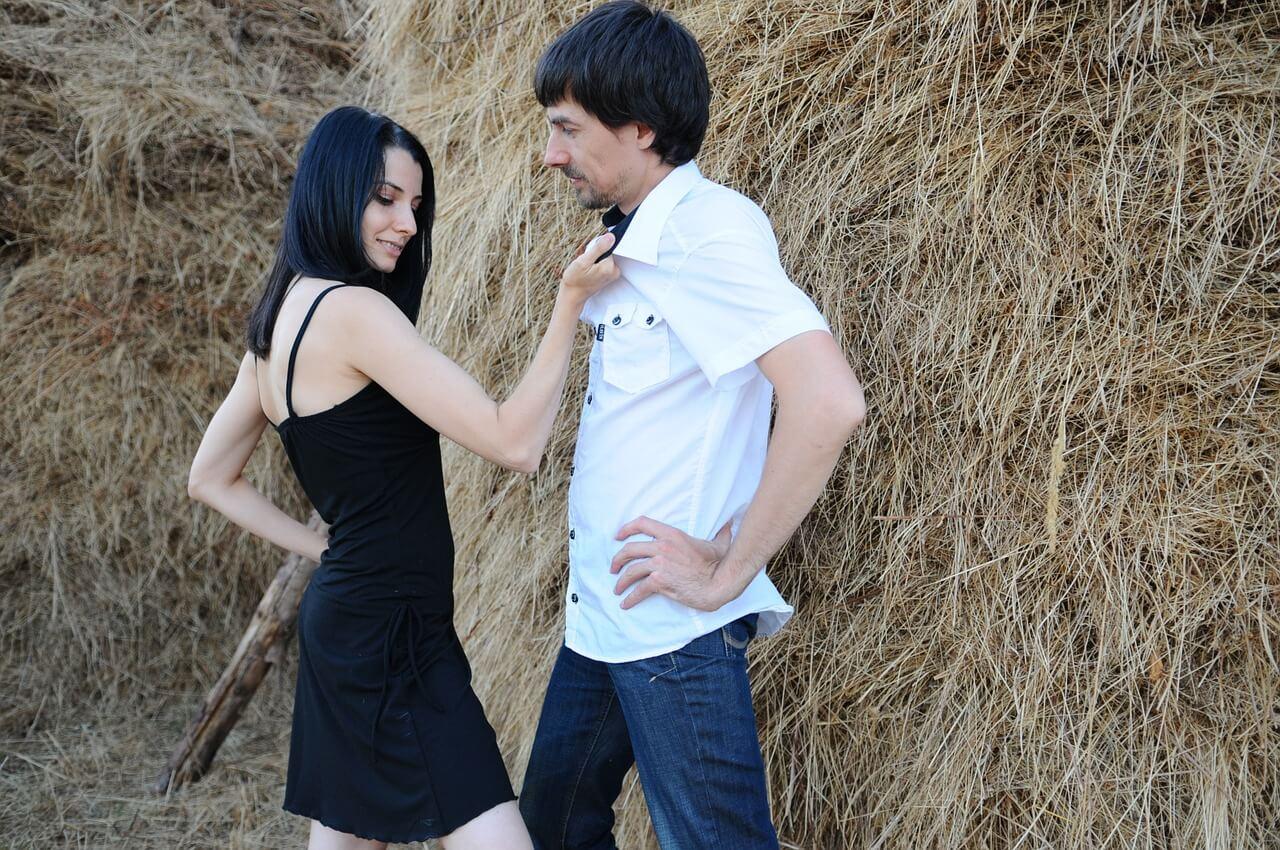 girl-1343945_1280